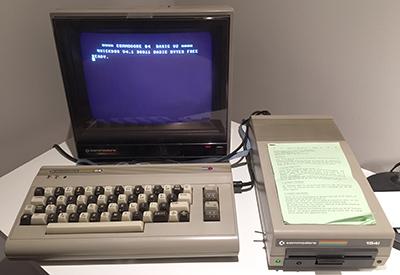 C64 mit Schachbrett-Tastatur