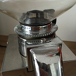 coffee-mill-attaching-new-funnel-3