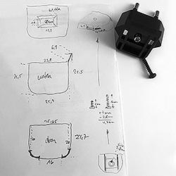 stormtrooper-nightlight-plug-measurement